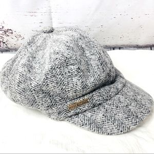 Vince Camuto Newsboy Cabbie Hat Grey Houndstooth